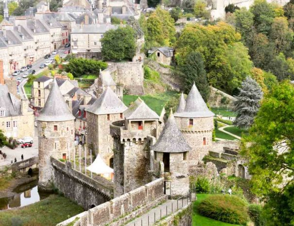 Fortress of Fougères during your city breaks