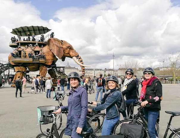 visite de Nantes à velo et rencontre avec l'éléphant de Nantes