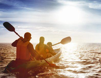 kayaking at sunset in Saint Malo