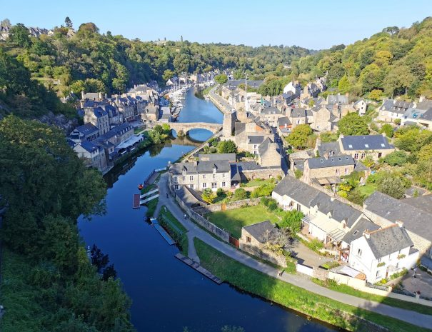 Stay and private tour to Dinan and the Rance valley in the Pink Granite Coast