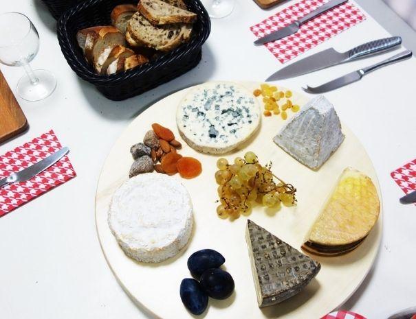 degustatin de fromages en Normandie