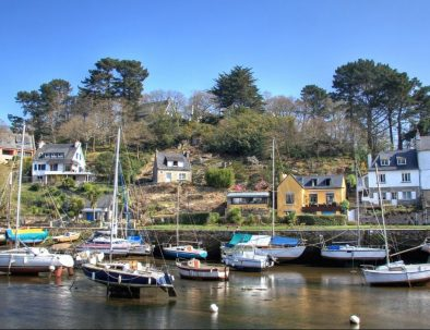 Stay in Finistère and discover Pont Aven and its boats